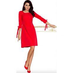 Sukienki: Czerwona Sukienka z Kokardkami i Paskiem