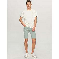 T-shirty męskie: T-shirt z małym haftem – Biały
