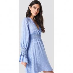 Trendyol Sukienka z marszczoną talią - Blue. Szare sukienki z falbanami marki Trendyol, na co dzień, z elastanu, casualowe, midi, dopasowane. Za 60,95 zł.