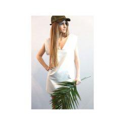 Biała sukienka z krótkim rękawem. Białe sukienki mini Miw collection, na imprezę, s, sportowe, ze stojącym kołnierzykiem, z krótkim rękawem, sportowe. Za 129,50 zł.