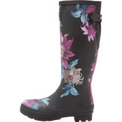 Tom Joule AJUSTA Kalosze black. Czarne buty zimowe damskie Tom Joule, z kauczuku. W wyprzedaży za 224,25 zł.