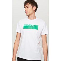 T-shirty męskie: T-shirt z napisem locals only – Biały