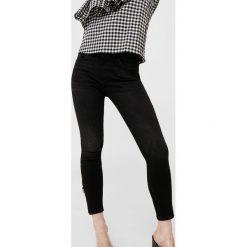 Mango - Jeansy. Szare jeansy damskie rurki marki Mango. W wyprzedaży za 99,90 zł.