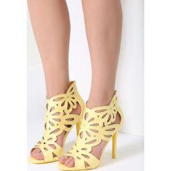 Żółte Sandały Sweet Sweet. Żółte sandały damskie marki Kazar, ze skóry, na wysokim obcasie, na obcasie. Za 99,99 zł.