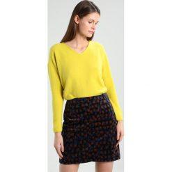 Swetry klasyczne damskie: White Stuff HINTERLAND Sweter yellow