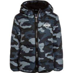 OVS CAMO HOOD Kurtka zimowa magnet. Czarne kurtki chłopięce zimowe marki OVS, z materiału. W wyprzedaży za 135,20 zł.