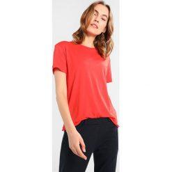 T-shirty damskie: Tiger of Sweden Jeans DAWN Tshirt basic valiant poppy