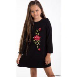 Sukienki dziewczęce z falbanami: Czarna sukienka z haftowaną różą