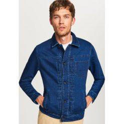 Kurtka jeansowa - Granatowy. Białe kurtki męskie jeansowe marki Reserved, l. W wyprzedaży za 89,99 zł.