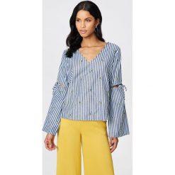 Rut&Circle Bluzka w paski Pineapple - Grey,Multicolor. Zielone bluzki z odkrytymi ramionami marki Rut&Circle, z dzianiny, z okrągłym kołnierzem. W wyprzedaży za 55,48 zł.