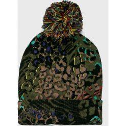 Desigual - Czapka. Brązowe czapki zimowe damskie marki Desigual, na zimę. Za 149,90 zł.