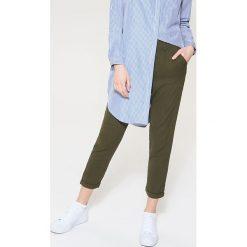 Chinosy damskie: Materiałowe spodnie chino - Khaki