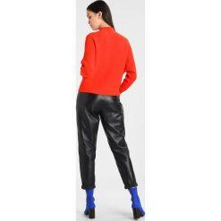 Swetry klasyczne damskie: YAS YASCORTA  Sweter orange