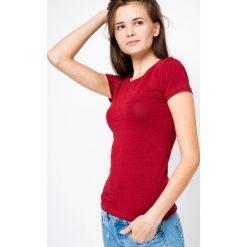 Bluzka basic krótki rękaw okrągły dekolt bordowa. Czerwone bluzki damskie Yups, l, z bawełny, młodzieżowe, z okrągłym kołnierzem, z krótkim rękawem. Za 29,99 zł.