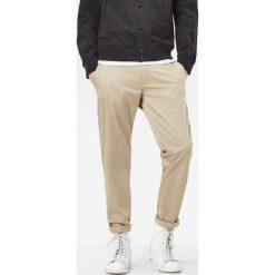 G-Star Raw - Spodnie. Szare chinosy męskie marki G-Star RAW, z bawełny. W wyprzedaży za 269,90 zł.