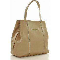 Casualowa torebka z regulacją rączki beżowa CLARA. Brązowe torebki klasyczne damskie Monnari, w paski, ze skóry ekologicznej. Za 159,00 zł.