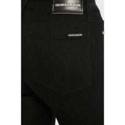 Calvin Klein Jeans - Jeansy CKJ 001. Czarne jeansy damskie Calvin Klein Jeans. Za 399,90 zł.