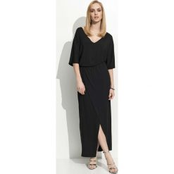 Czarna Maxi Sukienka z Zakładanym Dołem. Czarne długie sukienki Molly.pl, na co dzień, l, w jednolite wzory, z jersey, eleganckie, dekolt w kształcie v, dopasowane. Za 99,90 zł.