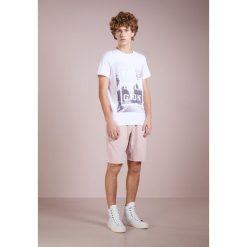 True Religion PALM TEE Tshirt z nadrukiem white. Białe koszulki polo True Religion, m, z nadrukiem, z bawełny. Za 299,00 zł.