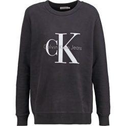 Calvin Klein Jeans Bluza black. Czarne bluzy damskie Calvin Klein Jeans, l, z bawełny. W wyprzedaży za 359,20 zł.