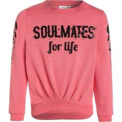 Name it NITMINNIE ELSE Bluza sunkist coral. Czerwone bluzy chłopięce marki Name it, l, z nadrukiem, z bawełny, z okrągłym kołnierzem. Za 129,00 zł.