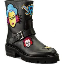 Botki JOHN RICHMOND - 3344 A Nero. Czarne buty zimowe damskie John Richmond, z materiału, na obcasie. W wyprzedaży za 989,00 zł.