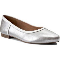 Baleriny CAPRICE - 9-22131-28 Silver Multi 942. Szare baleriny damskie lakierowane Caprice, z materiału. W wyprzedaży za 179,00 zł.
