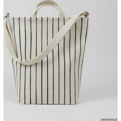 Ekologiczna torba na ramię w delikatne paski. Czarne torby na ramię męskie Pakamera, w paski. Za 229,00 zł.