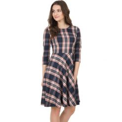 Wzorzysta rozkloszowana sukienka z rękawem 3/4  BIALCON. Czarne sukienki balowe BIALCON, m, rozkloszowane. W wyprzedaży za 210,00 zł.