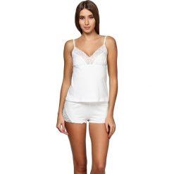 Piżamy damskie: Piżama w kolorze mlecznym – koszulka, spdenki