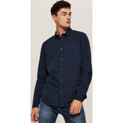 Koszula w mikrowzór - Granatowy. Niebieskie koszule męskie marki Cropp, l. Za 79,99 zł.