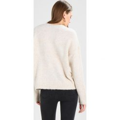 Swetry damskie: New Look CLUSTER EMBELLISHED JUMPER WINDOW Sweter oatmeal
