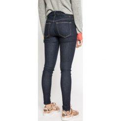 Diesel - Jeansy Slandy. Niebieskie jeansy damskie rurki Diesel, z bawełny. W wyprzedaży za 359,90 zł.