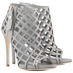 Skórzane sandały w kolorze szarym. Szare sandały damskie BOHOBOCO, ze skóry, na obcasie. W wyprzedaży za 1179,95 zł.