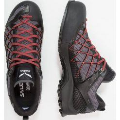 Salewa MS WILDFIRE S GTX Obuwie hikingowe black out/bergot. Czarne buty skate męskie Salewa, z materiału, outdoorowe. Za 719,00 zł.