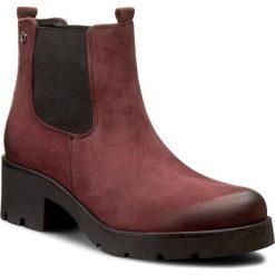 Sztyblety CARINII - B3543 B73-000-PSK-B35. Czerwone buty zimowe damskie Carinii, z nubiku, na obcasie. W wyprzedaży za 249,00 zł.