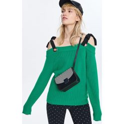 Sweter z odkrytymi ramionami - Zielony. Zielone kardigany damskie Reserved, l. W wyprzedaży za 59,99 zł.