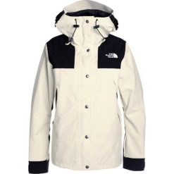 The North Face Kurtka hardshell vintage white. Białe kurtki damskie turystyczne marki The North Face, xs, z hardshellu. W wyprzedaży za 879,45 zł.