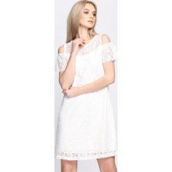 Sukienki: Biała Sukienka Love Takes Over