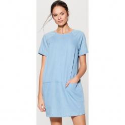 Jeansowa sukienka - Niebieski. Czerwone sukienki marki Mohito, l, w koronkowe wzory. Za 89,99 zł.