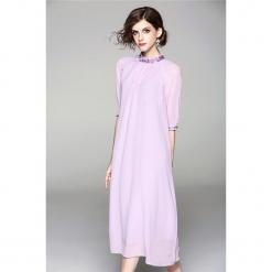 Sukienka w kolorze fioletowym. Fioletowe sukienki marki Zeraco, ze stójką, midi, proste. W wyprzedaży za 379,95 zł.