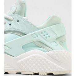 Trampki damskie slip on: Nike Sportswear AIR HUARACHE RUN Tenisówki i Trampki igloo/summit white