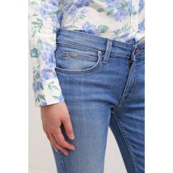 Lee SCARLETT CROPPED Jeans Skinny Fit light blue denim. Niebieskie rurki damskie Lee. W wyprzedaży za 194,35 zł.
