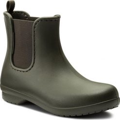 Kalosze CROCS - Freesail Chelsea Boot W 204630 Dark Camo Green. Zielone buty zimowe damskie marki Crocs, z materiału. W wyprzedaży za 159,00 zł.