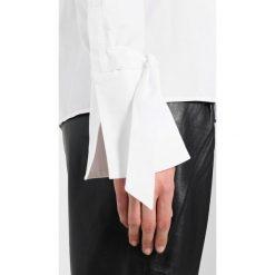 Bluzki, topy, tuniki: IVY & OAK CARMEN Bluzka white