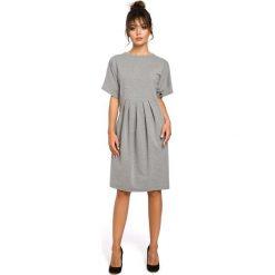 CARLOTTA Sukienka z zakładkami - szara. Szare sukienki balowe BE, l, z dresówki, oversize. Za 149,00 zł.