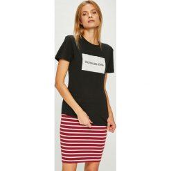 Calvin Klein Jeans - Top. Szare topy damskie marki Calvin Klein Jeans, l, z nadrukiem, z bawełny, z okrągłym kołnierzem. Za 159,90 zł.