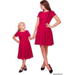LATORI - Sukienka z kolekcji Mama i córka LD13. Różowe sukienki dziewczęce z falbanami Pakamera, w koronkowe wzory, z koronki, z krótkim rękawem, krótkie. Za 69,00 zł.