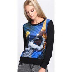 Czarna Bluza Photo Essay. Czarne bluzy rozpinane damskie Born2be, l, z nadrukiem, z satyny, z długim rękawem, długie. Za 19,99 zł.