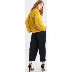 Swetry klasyczne damskie: Soaked in Luxury FRIDA Sweter antique moss